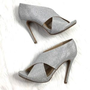 NWOB Sparkly Silver Heels by Chinese Laundry